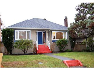 "Photo 1: 440 E 48TH Avenue in Vancouver: Fraser VE House for sale in ""FRASER"" (Vancouver East)  : MLS®# V988557"