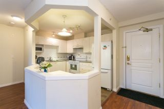 """Photo 8: 505 215 TWELFTH Street in New Westminster: Uptown NW Condo for sale in """"Discovery Reach"""" : MLS®# R2415800"""