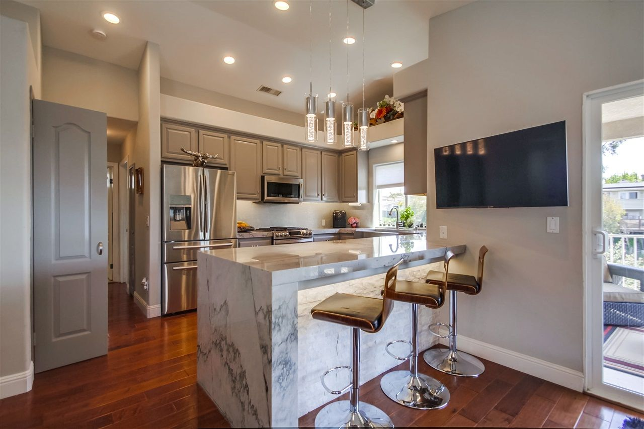 Main Photo: SAN DIEGO House for sale : 4 bedrooms : 2647 Cardinal Road