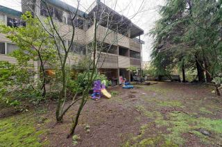 "Photo 17: 859 WESTVIEW Crescent in North Vancouver: Upper Lonsdale Condo for sale in ""Cypress Gardens"" : MLS®# R2255255"