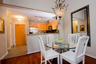 Photo 5: 122 2263 REDBUD Lane in Tropez: Home for sale