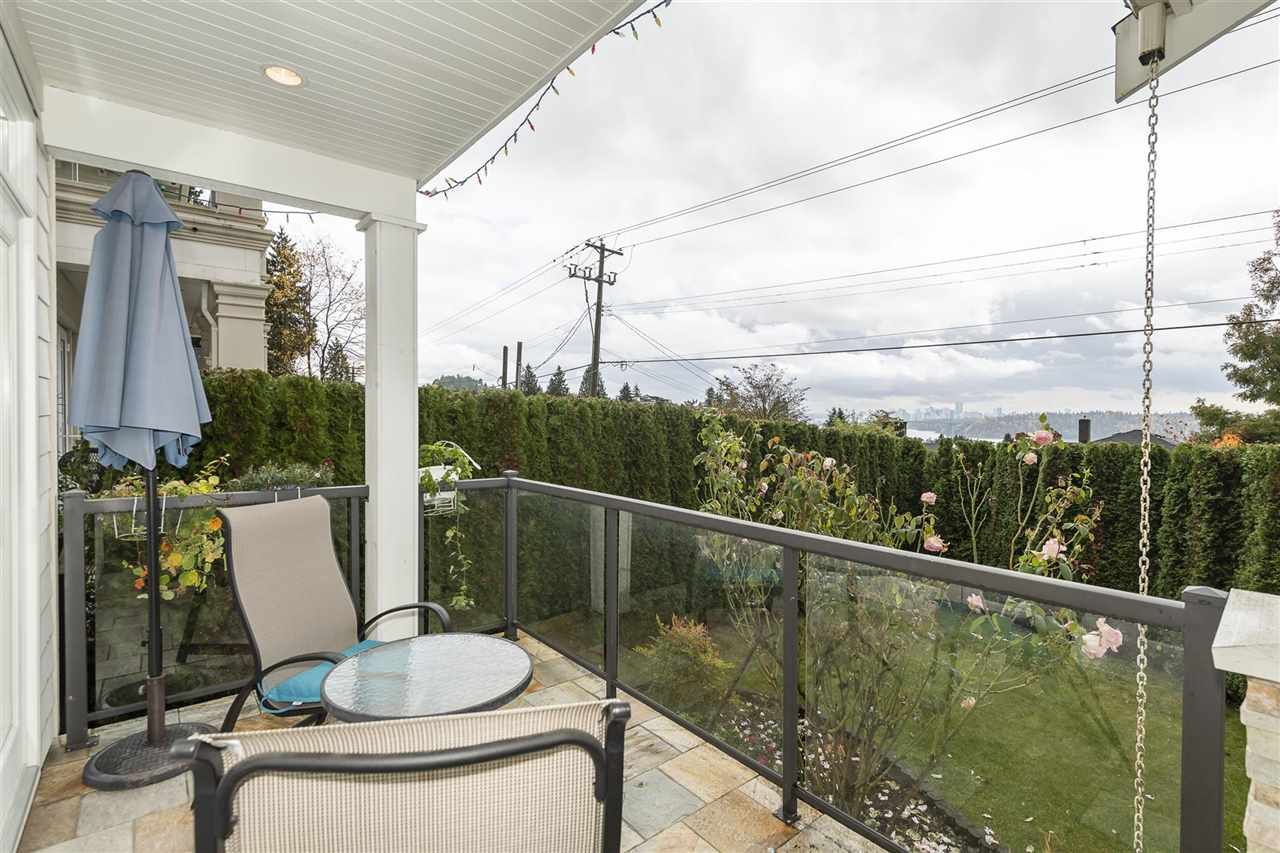 Photo 15: Photos: 1471 MATHERS AVENUE in West Vancouver: Ambleside House for sale : MLS®# R2413830