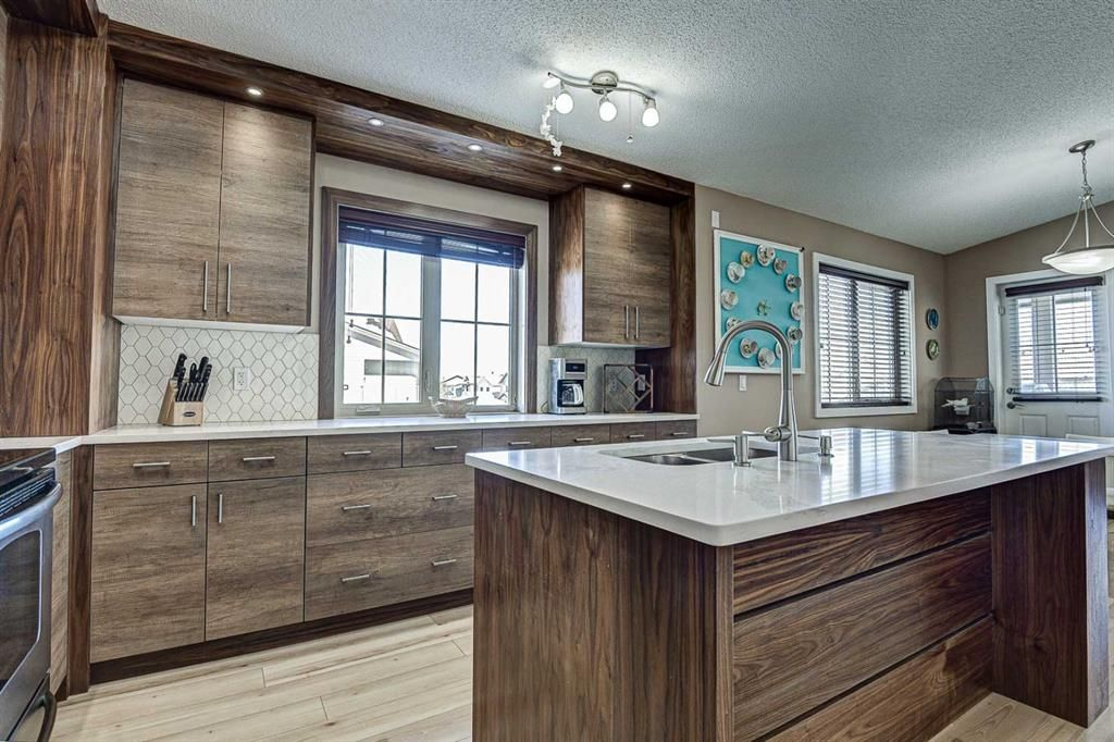 Photo 20: Photos: 230 EVERSYDE Boulevard SW in Calgary: Evergreen Apartment for sale : MLS®# A1071129