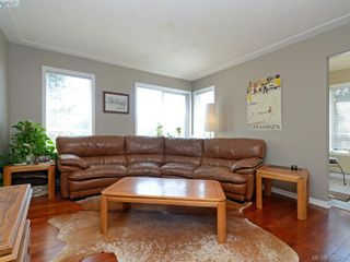 Photo 4: 4 300 Six Mile Rd in VICTORIA: VR Six Mile Row/Townhouse for sale (View Royal)  : MLS®# 796701