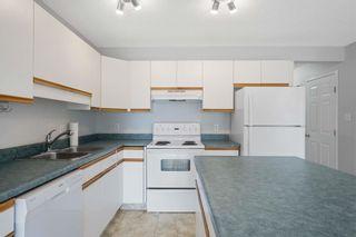 Photo 8: 9150 166 Avenue in Edmonton: Zone 28 House Half Duplex for sale : MLS®# E4246760