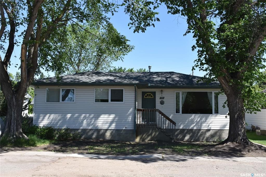 Main Photo: 111 Edward Street in Balcarres: Residential for sale : MLS®# SK859932