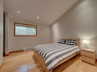 Photo 12: 304 GEORGIA Drive in Gibsons: Gibsons & Area House for sale (Sunshine Coast)  : MLS®# R2622245
