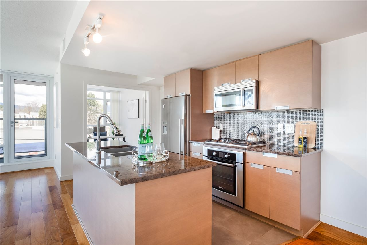 Photo 16: Photos: 365 2080 W BROADWAY in Vancouver: Kitsilano Condo for sale (Vancouver West)  : MLS®# R2380022