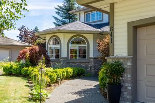Photo 2: 641 Westminster Pl in : CR Campbell River South House for sale (Campbell River)  : MLS®# 884212