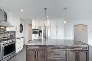 Photo 10: 29 West Cedar Point SW in Calgary: West Springs Detached for sale : MLS®# A1131789