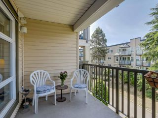 """Photo 9: 307 15168 19TH Avenue in Surrey: Sunnyside Park Surrey Condo for sale in """"The Mint"""" (South Surrey White Rock)  : MLS®# R2070329"""
