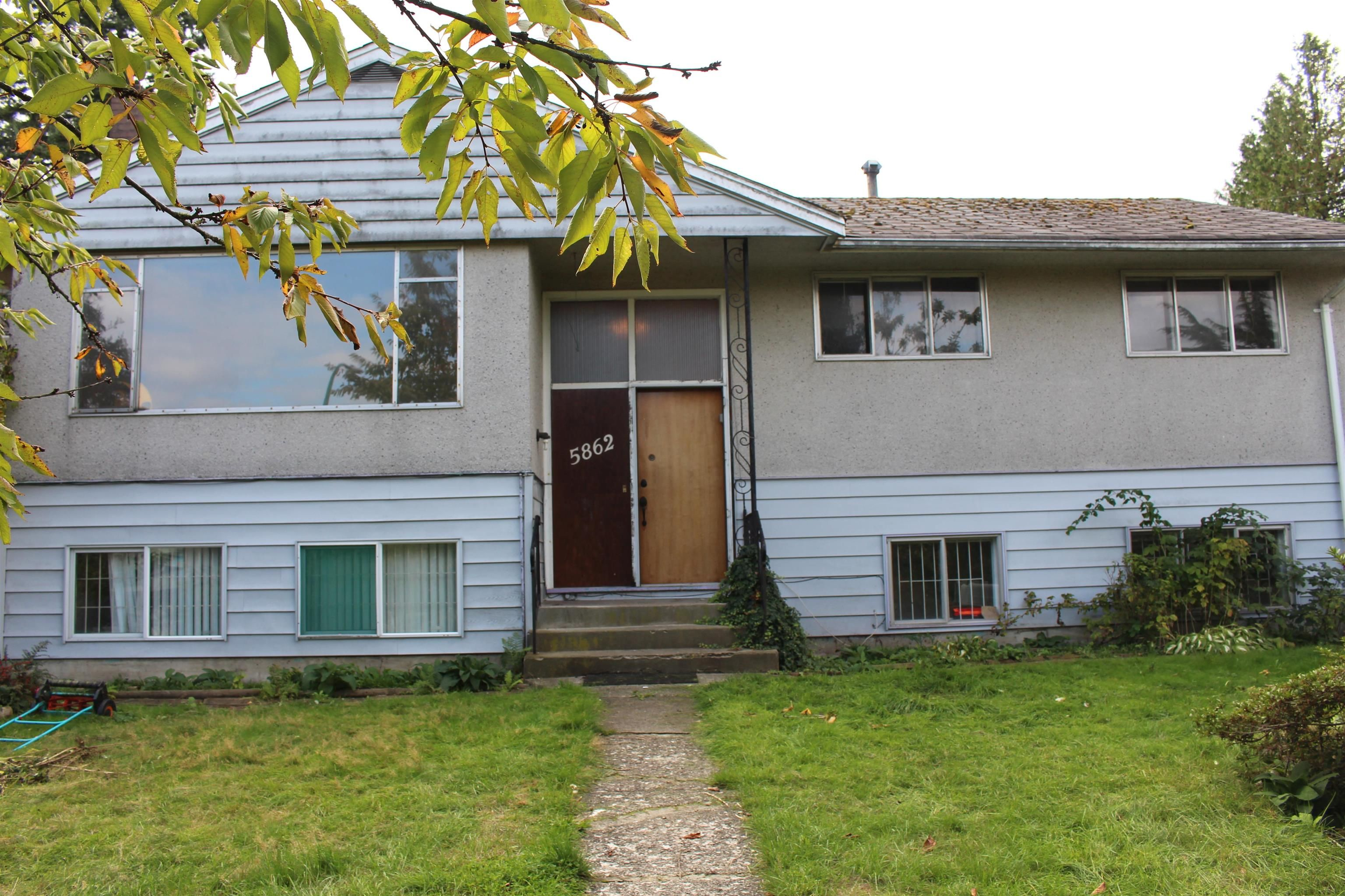 Main Photo: 5862 DICKENS Place in Burnaby: Upper Deer Lake House for sale (Burnaby South)  : MLS®# R2623971