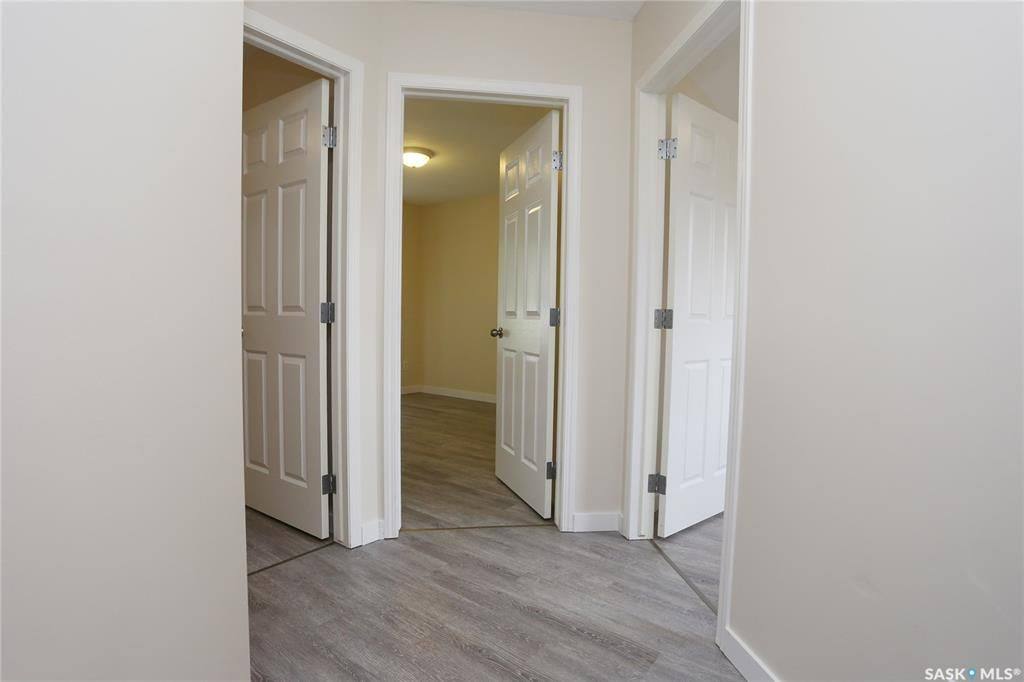 Photo 30: Photos: 131B 113th Street West in Saskatoon: Sutherland Residential for sale : MLS®# SK778904