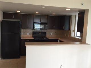 Photo 8: 1801 295 GUILDFORD Way in Port Moody: North Shore Pt Moody Condo for sale : MLS®# R2069733