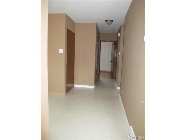 Photo 10: Photos:  in WINNIPEG: East Kildonan Residential for sale (North East Winnipeg)  : MLS®# 1414106