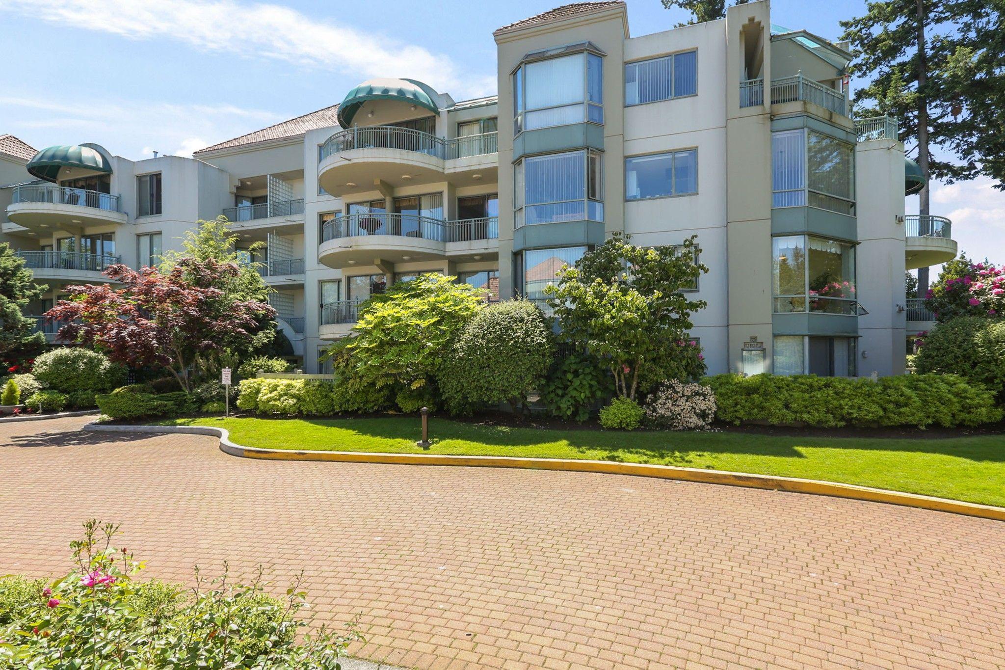 Main Photo: 206 1725 MARTIN Drive in Surrey: Sunnyside Park Surrey Condo for sale (South Surrey White Rock)  : MLS®# R2604978