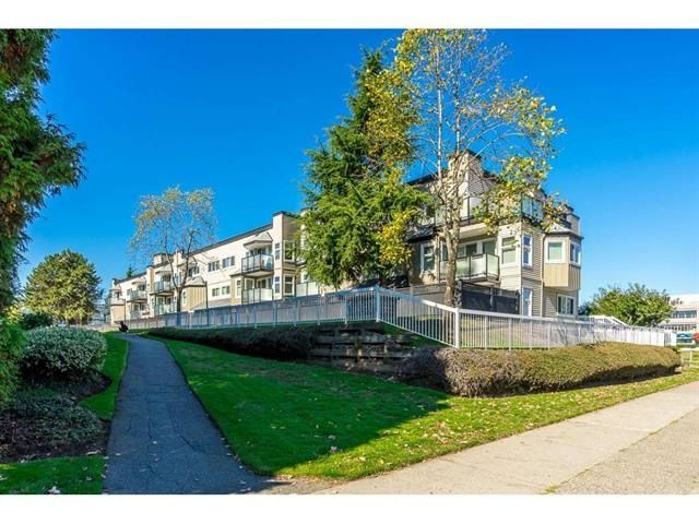 "Main Photo: 223 1850 E SOUTHMERE Crescent in Surrey: Sunnyside Park Surrey Condo for sale in ""SOUTHMERE PLACE"" (South Surrey White Rock)  : MLS®# R2369108"