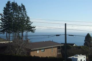 Photo 3: 13517 MARINE Drive in Surrey: Crescent Bch Ocean Pk. House for sale (South Surrey White Rock)  : MLS®# R2099510