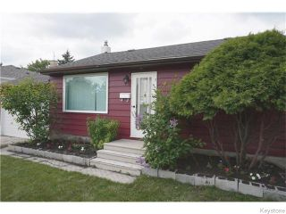 Photo 2: 426 Country Club Boulevard in Winnipeg: Westwood / Crestview Residential for sale (West Winnipeg)  : MLS®# 1616212