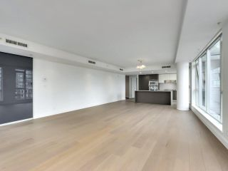 """Photo 4: 1002 1499 W PENDER Street in Vancouver: Coal Harbour Condo for sale in """"WEST PENDER PLACE"""" (Vancouver West)  : MLS®# R2583305"""