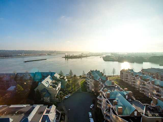 Main Photo: 1606 1135 QUAYSIDE DRIVE in : Quay Condo for sale : MLS®# V1099623