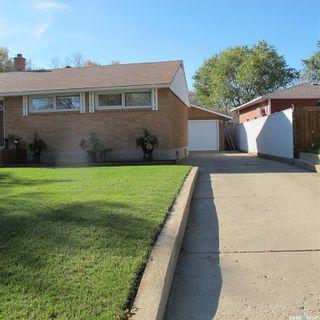 Photo 1: 209 Duncan Road in Estevan: Hillcrest RB Residential for sale : MLS®# SK866931