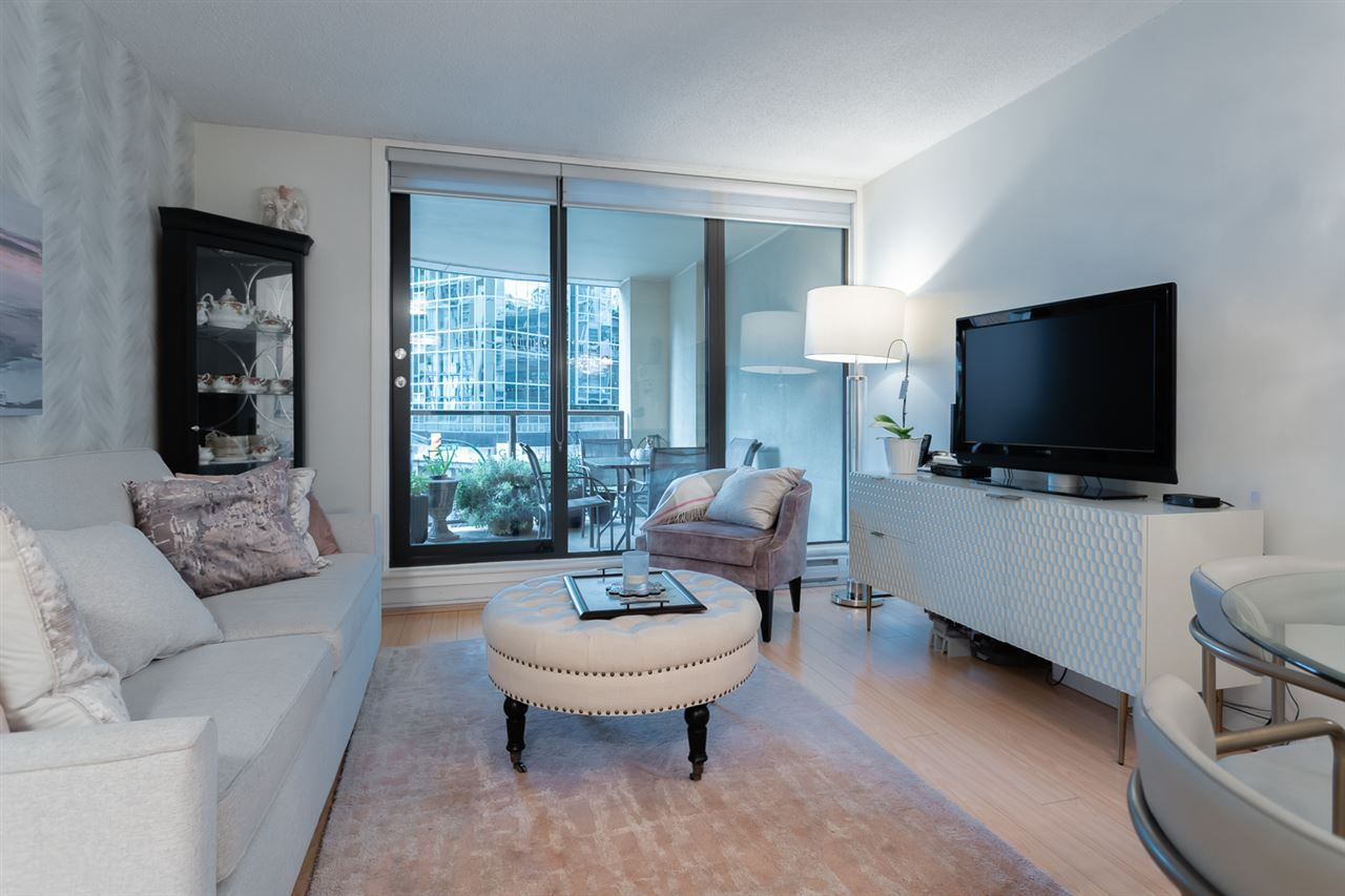 Main Photo: 305 789 DRAKE Street in Vancouver: Downtown VW Condo for sale (Vancouver West)  : MLS®# R2356919