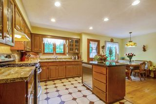 """Photo 8: 20946 43 Avenue in Langley: Brookswood Langley House for sale in """"Cedar Ridge"""" : MLS®# R2593743"""