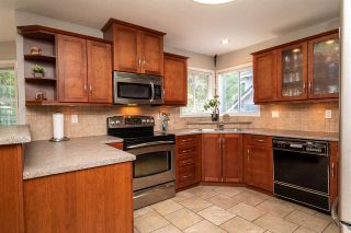 Photo 4: 8678 141 STREET in Surrey: Bear Creek Green Timbers House for sale : MLS®# R2387042