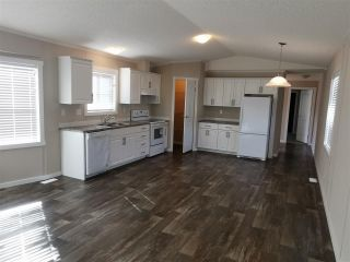 Photo 4: 10464 98 Street: Taylor Manufactured Home for sale (Fort St. John (Zone 60))  : MLS®# R2499625