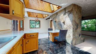 Photo 9: 41772 GOVERNMENT Road in Squamish: Brackendale House for sale : MLS®# R2603967