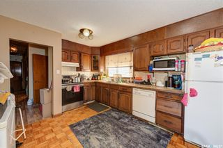 Photo 11: 204 Witney Avenue South in Saskatoon: Meadowgreen Residential for sale : MLS®# SK845574