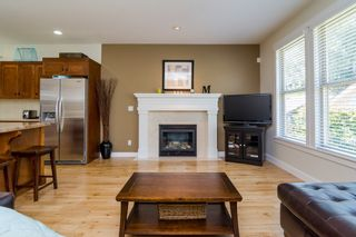 """Photo 12: 23032 BILLY BROWN Road in Langley: Fort Langley House for sale in """"Bedford Landing"""" : MLS®# F1444333"""