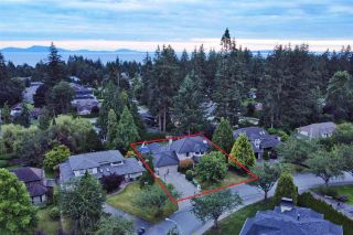 "Photo 1: 13910 18A Avenue in Surrey: Sunnyside Park Surrey House for sale in ""BELL PARK"" (South Surrey White Rock)  : MLS®# R2473367"