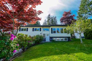 Photo 1: 8067 WAXBERRY Crescent in Mission: Mission BC House for sale : MLS®# R2366947
