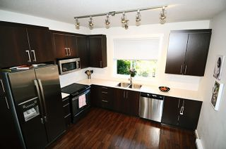 """Photo 8: 10 19538 BISHOPS REACH in Pitt Meadows: South Meadows Townhouse for sale in """"TURNSTONE"""" : MLS®# R2108284"""