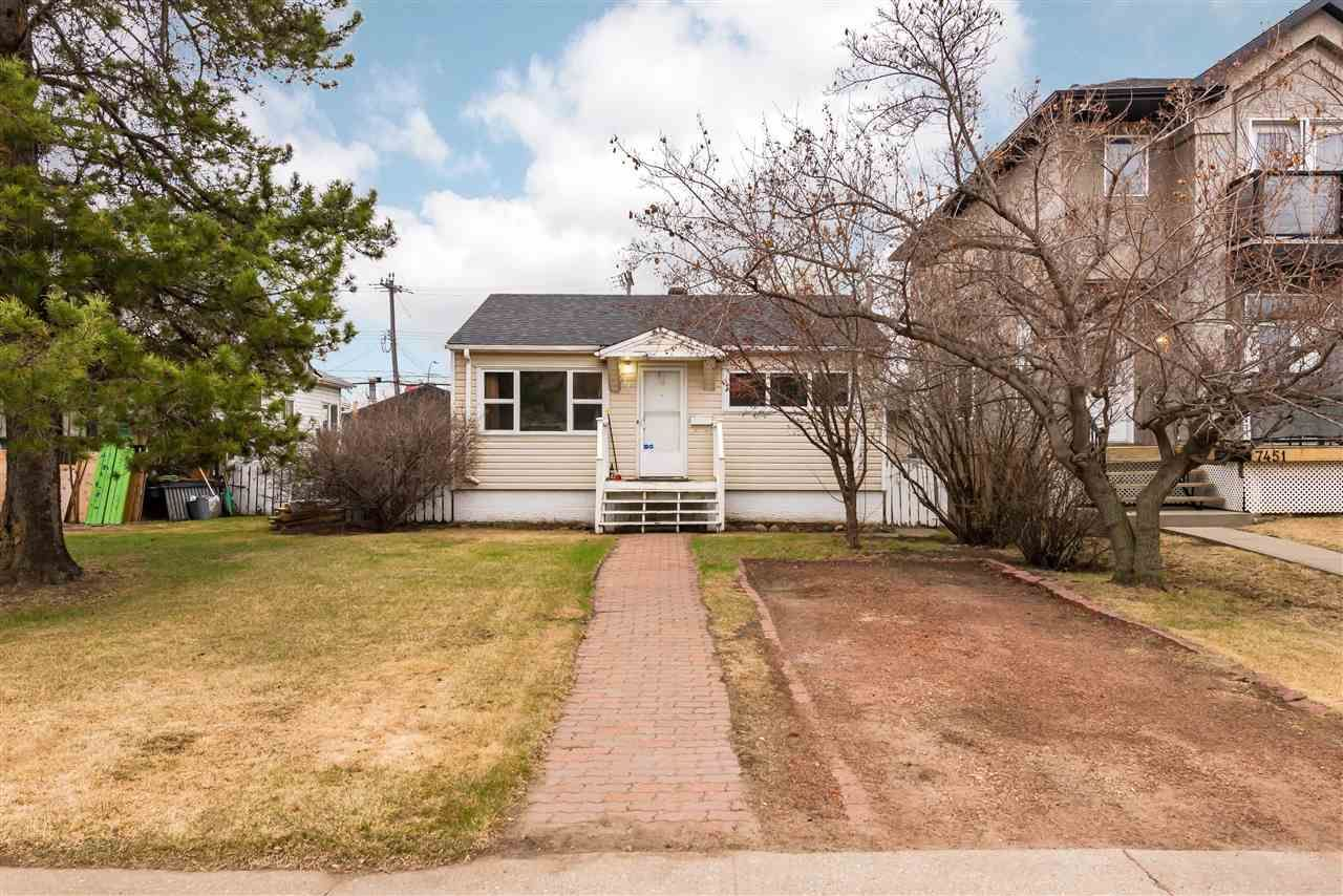 Main Photo: 7449 83 Ave NW Avenue in Edmonton: Zone 18 House for sale : MLS®# E4240839