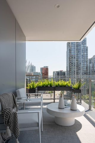 """Photo 5: 904 885 CAMBIE Street in Vancouver: Downtown VW Condo for sale in """"THE SMITHE"""" (Vancouver West)  : MLS®# R2597405"""