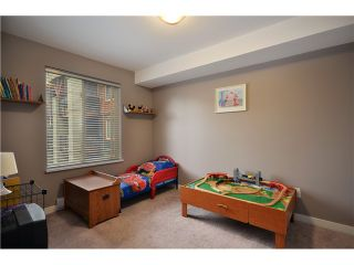 """Photo 7: 3318 240 SHERBROOKE Street in New Westminster: Sapperton Condo for sale in """"COPPERSTONE"""" : MLS®# V929528"""