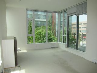 "Photo 8: 402 2528 MAPLE Street in Vancouver: Kitsilano Condo for sale in ""Pulse"" (Vancouver West)  : MLS®# R2397843"