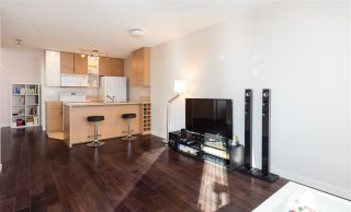 """Photo 4: 1201 909 MAINLAND Street in Vancouver: Yaletown Condo for sale in """"YALETOWN PARK II"""" (Vancouver West)  : MLS®# R2218452"""