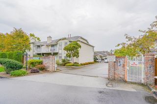 """Photo 4: 22 5750 174 Street in Surrey: Cloverdale BC Townhouse for sale in """"STETSON VILLAGE"""" (Cloverdale)  : MLS®# R2616395"""