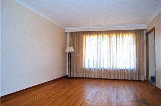 Photo 6: 34 Chillery Avenue in Toronto: Eglinton East House (Backsplit 4) for sale (Toronto E08)  : MLS®# E3757375