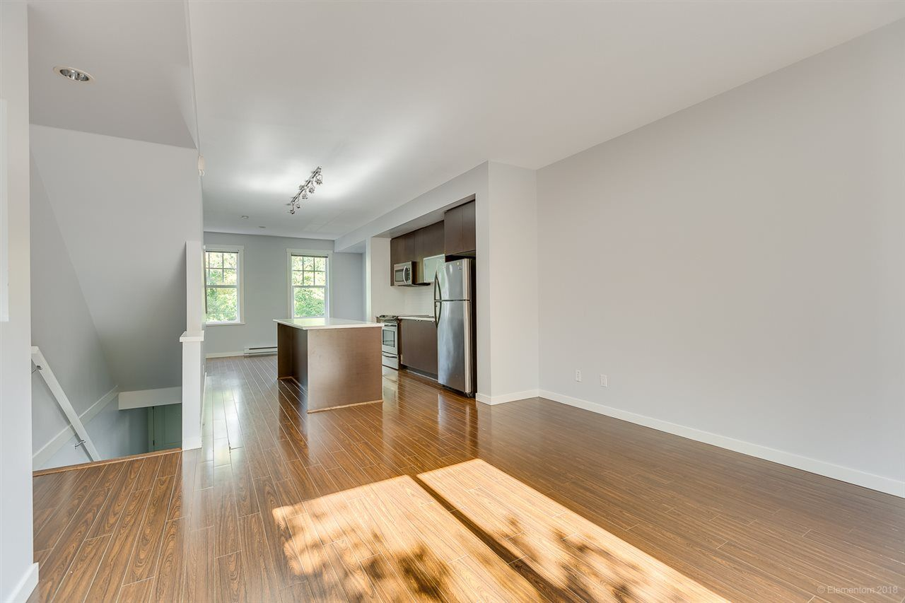 """Photo 6: Photos: 39 101 FRASER Street in Port Moody: Port Moody Centre Townhouse for sale in """"CORBEAU"""" : MLS®# R2410507"""