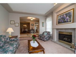 """Photo 4: 18155 60 Avenue in Surrey: Cloverdale BC House for sale in """"CLOVERDALE"""" (Cloverdale)  : MLS®# R2056638"""
