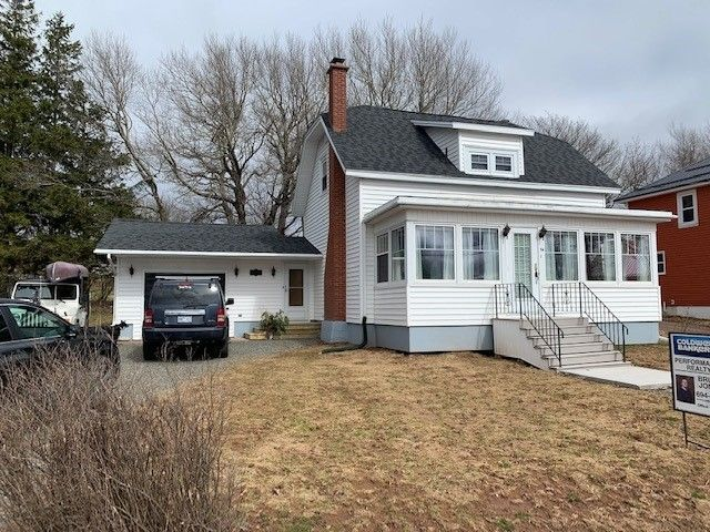 Main Photo: 54 Mechanic Street in Springhill: 102S-South Of Hwy 104, Parrsboro and area Residential for sale (Northern Region)  : MLS®# 202108261