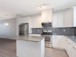 Photo 5: 52 SKYVIEW Circle NE in Calgary: Skyview Ranch Row/Townhouse for sale : MLS®# C4197867