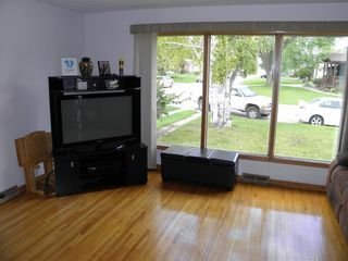 Photo 4: 75 De Bourmont Bay in Winnipeg: Windsor Park Residential for sale (2G)  : MLS®# 202022183