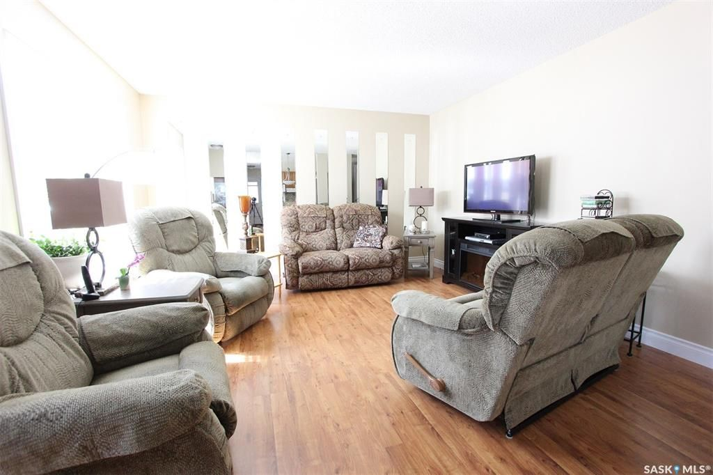 Photo 7: Photos: 1212 Cook Drive in Prince Albert: Crescent Heights Residential for sale : MLS®# SK806050
