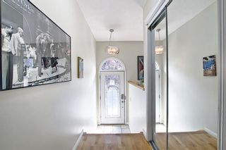 Photo 4: 1650 Westmount Boulevard NW in Calgary: Hillhurst Semi Detached for sale : MLS®# A1153535